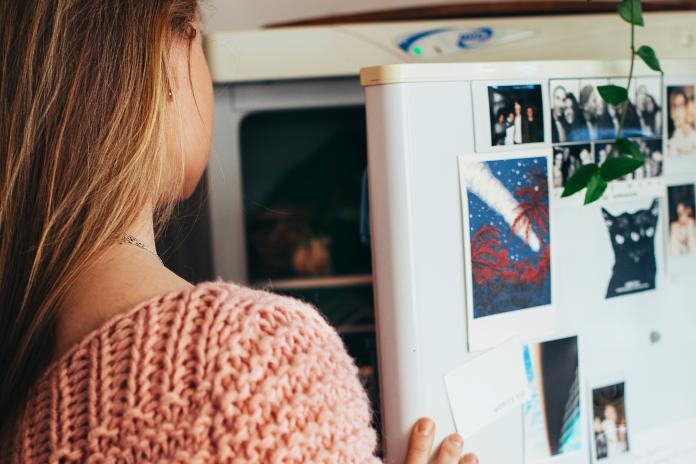 超想<b>上網</b>!少女手機被沒收 「用冰箱發文」神解實錄瘋傳
