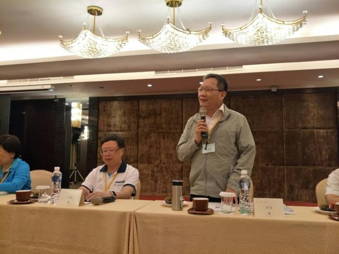 ▲財政部長蘇建榮(右)8月16日與媒體座談時也提到對美中貿易戰及香港反送中看法。(圖/記者顏真真攝)