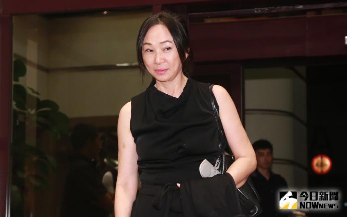 ▲韓國瑜妻子李佳芬來看蔡琴「好新琴」演唱會。(圖/記