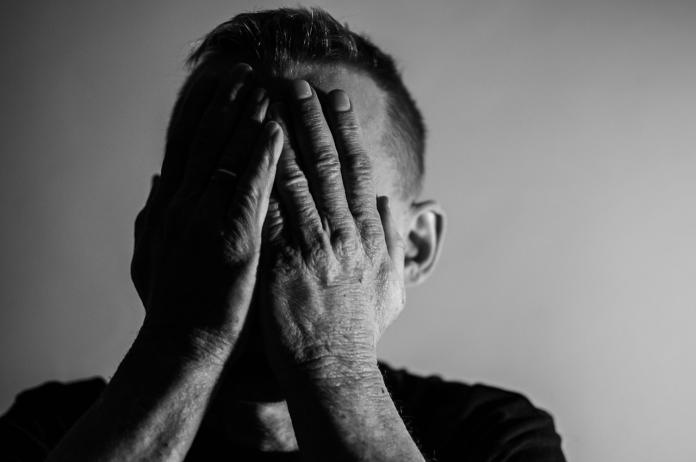 ▲先前高雄傳出一名已婚冷氣師傅與人妻發生關係,丈夫知曉後也坦承相當痛苦。 (示意圖/取自 Pixabay )