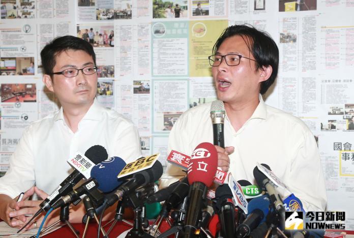 ▲時代力量立委黃國昌2020不選新北市第12選區,改由辨公