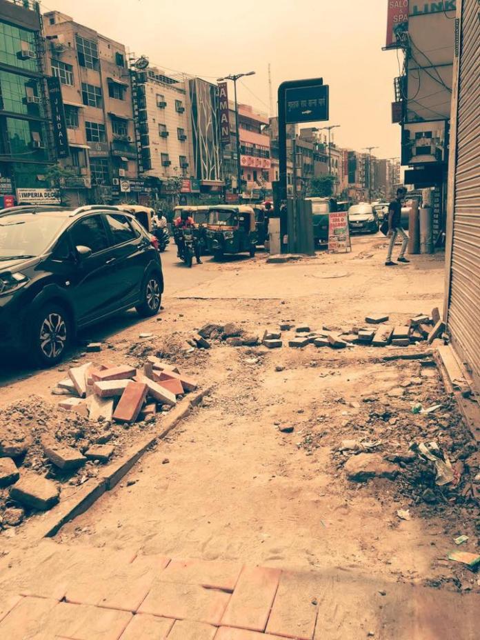 <br> ▲謝忻發出一張印度街景。(圖/翻攝自謝忻臉書)