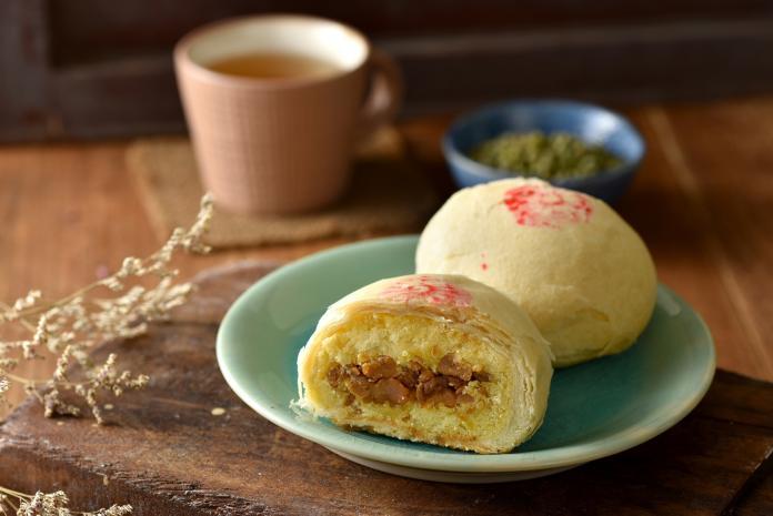 <br> ▲魯肉綠豆椪的鹹甜好滋味,深獲消費者喜愛。(圖/業者提供)