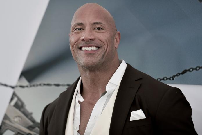 巨石強森為何從摔角手變明星?網推「3關鍵」:不紅都難