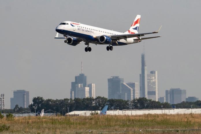 國際旅遊市場萎縮 全球<b>航空業</b>籲快篩取代隔離