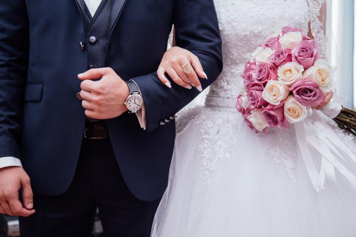 ▲丈夫大吵一架後離家,不料半年後相遇竟成別人的新郎。(示意圖/取自 Pixabay )