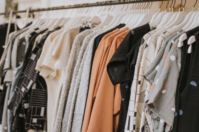 ▲平價服飾品牌霸主是哪家?網路聲量調查結果揭曉。(圖/翻攝自 Unsplash )