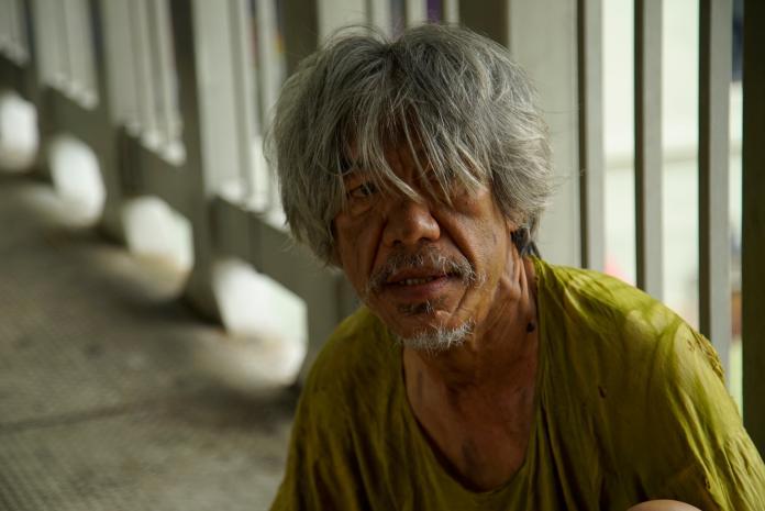 ▲導演郭修篆的爸爸,在片中軋一角飾演乞丐。(圖/滿滿額娛樂)