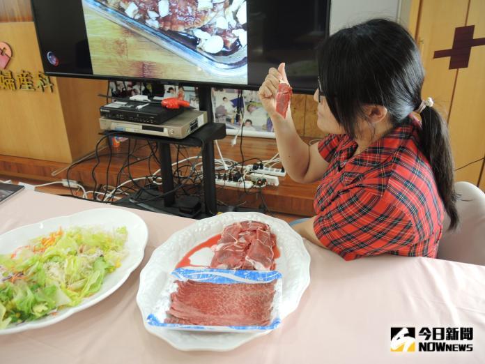 <br> ▲孕婦吃生肉有可能是感染弓漿蟲的途徑。(圖/記者陳雅芳攝,2019.09.01)