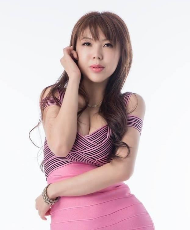 ▲劉樂妍以F奶闖蕩演藝圈,無奈星路不順遂轉往對岸發展。(圖/翻攝臉書)
