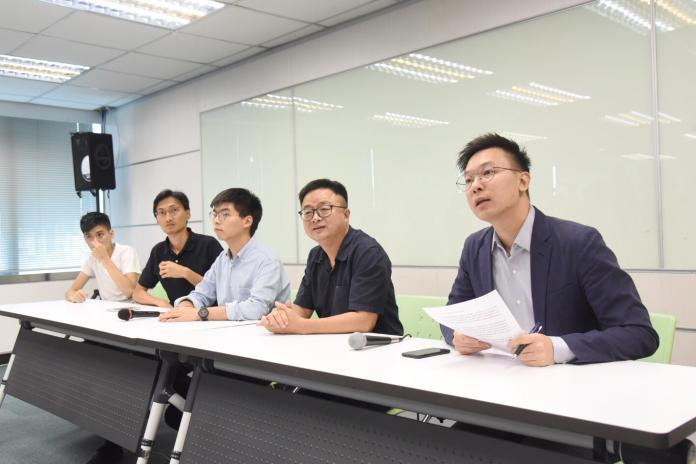 黃之鋒拜會民進黨 盼台灣人走上街頭「撐香港」