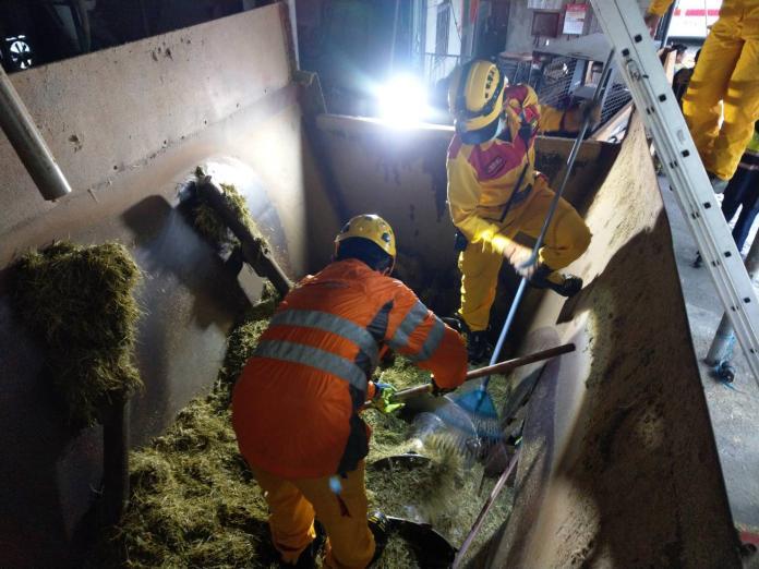 冠福畜牧場一名女員工掉入飼料混合機攪拌槽內,當場慘遭絞碎