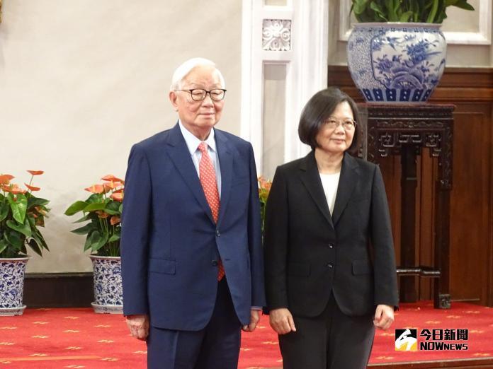 直播/蔡英文宣布APEC領袖代表 張忠謀出任