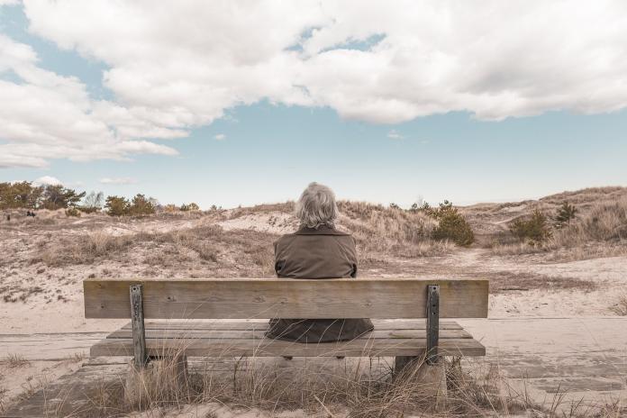 ▲有網友列出三個以房養老,「掛點前剛好花完錢」的方案,引發熱烈討論。(示意圖/翻攝自 pixabay )