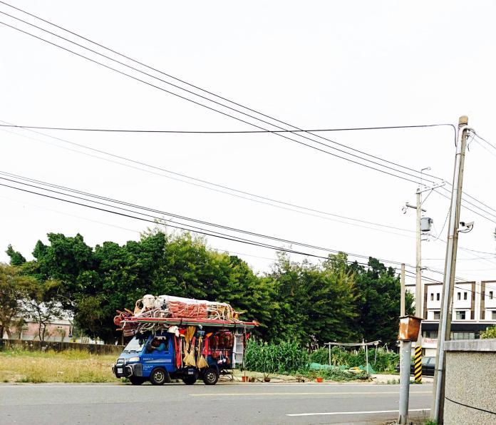 「紗窗~紗門~換玻璃」貨車繞社區 過來人曝收費:嚇傻