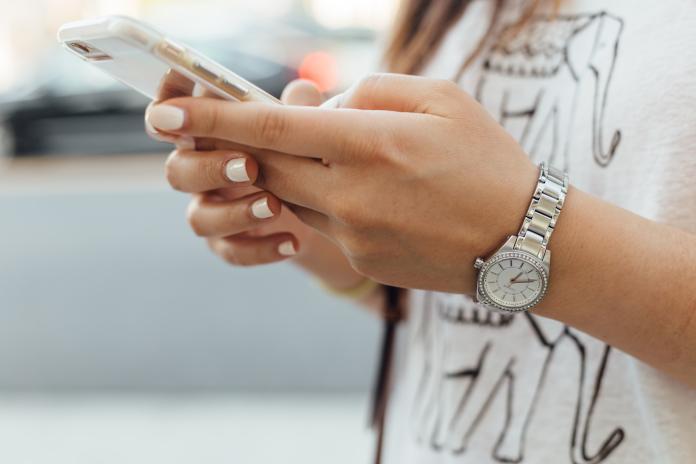 ▲ 42 款手機應用程式被查出有竊取個資行為,當中不乏知名追劇 App 。(示意圖/取自 Unsplash )