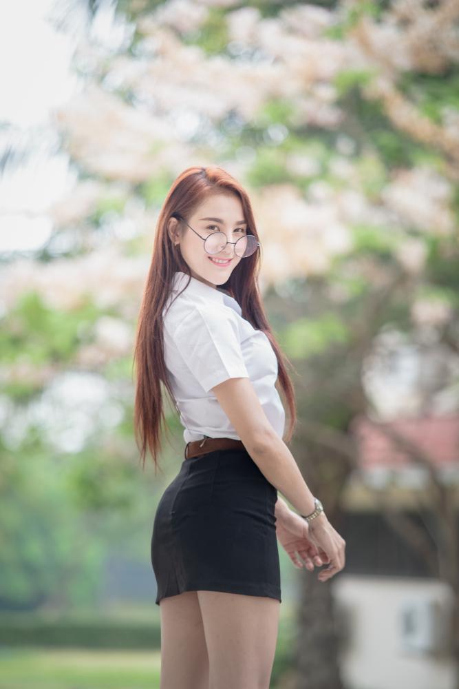 <br> ▲泰國教育部最新頒布的兒童保護法(Child Protection Act)規定,女性學生穿著「不適宜」服裝是犯罪。(圖/Shutterstock)
