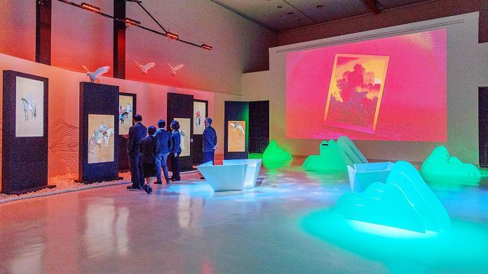 ▲藝術展透過互動科技,讓民眾與古文物對話。(圖/高美館提供)