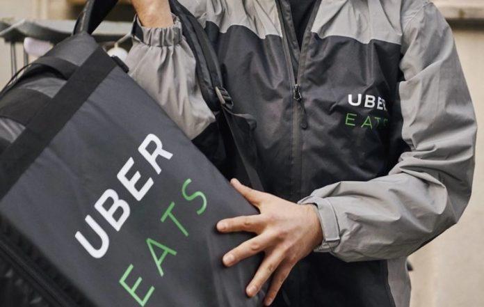 <br> ▲外送平台興起,路上皆可看到外送員身影。(示意圖/翻攝自 Uber Eats 官網)