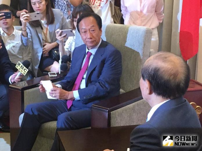 郭台銘嫌國民黨迂腐退黨 蔡英文競辦:諷刺