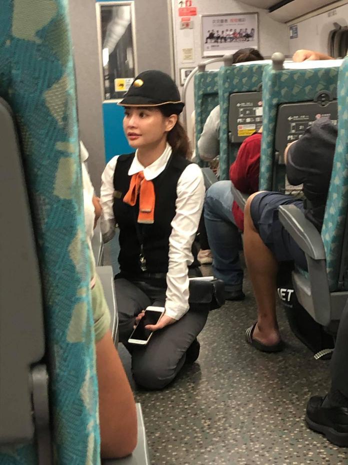 ▲高鐵正妹列車長服務親切,還有一張明星臉,引發網友熱議。(圖/翻攝自爆廢公社)