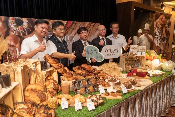 力挺國產雜糧     台中市餐旅業紛端「雜糧入菜」美食上桌