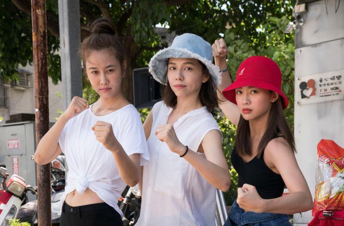 ▲(左起)黃心娣、夏于喬、鬼鬼將扮演摔角手。(圖/滿滿額)