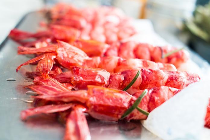 ▲吃到飽狂推「天使紅蝦」到底夯啥?老饕曝真相。(示意圖/翻攝自Pixabay)