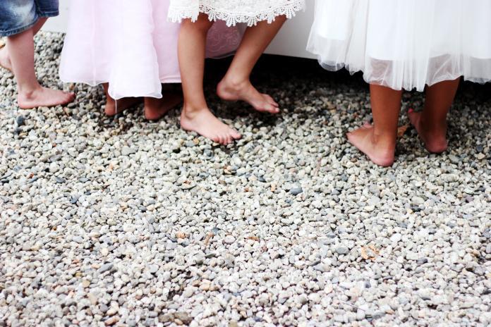 <br> ▲根據聯合國兒童基金會的統計,印尼約七分之一的女孩都在18歲以前完婚,並且是全球排名前十擁有最多童婚人口的國家。(圖/Unsplash)