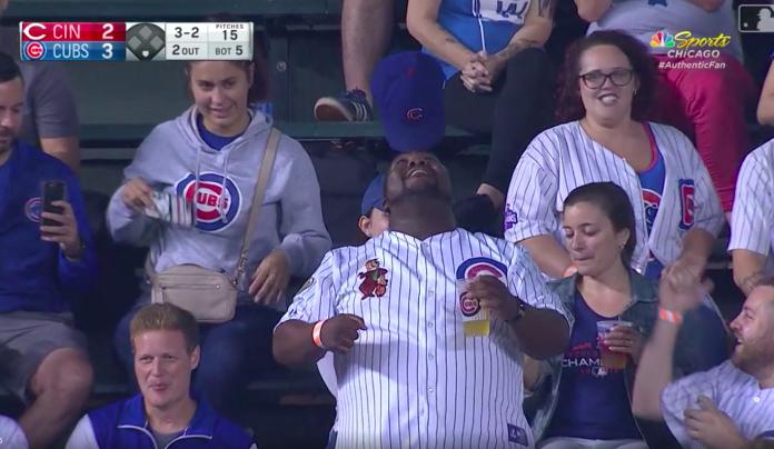 MLB/真的是帽子戲法 小熊球迷秀神技讓眾人看了超嗨