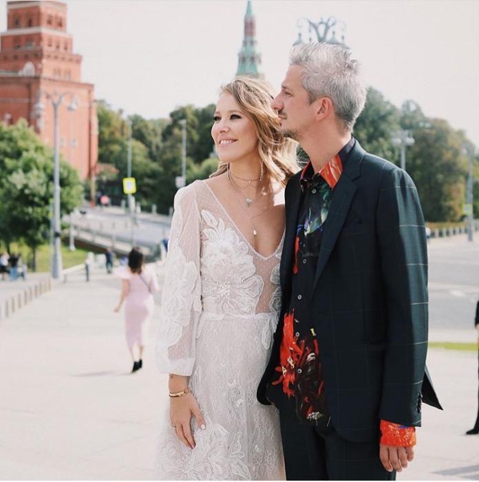 <br> ▲索布恰克( Ksenia Sobchak )與 44 歲製作人波哥摩洛夫( Konstantin Bogomolov )完婚,婚禮非常奢華。(圖/翻攝自 Ksenia Sobchak IG )