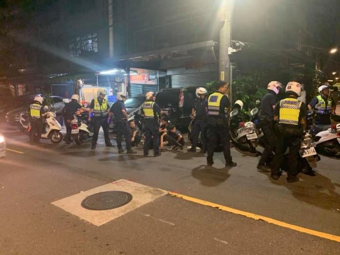 ▲新北市板橋南雅路昨晚發生一起口角糾紛。(圖/翻攝自臉書 我是板橋人)