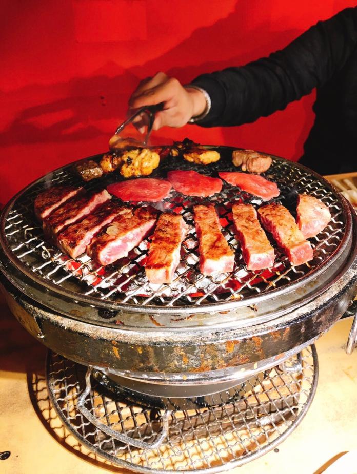 ▲燒肉吃到飽。(圖/記者許苡晴攝)