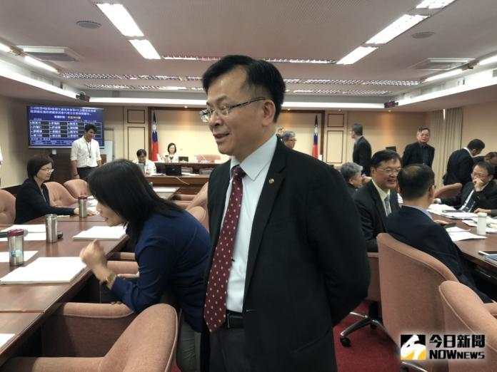▲NCC主委陳耀祥,今(30)天上午出席立法院財委會備詢時,被立委針對52頻道後續誰來接手等議題追問。(圖/資料畫面)