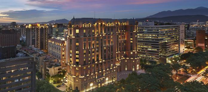 ▲台北文華東方酒店斥資台幣250億元打造,被視為全台指標性高級飯店之一。(圖/翻攝自台北文華東方酒店官網)
