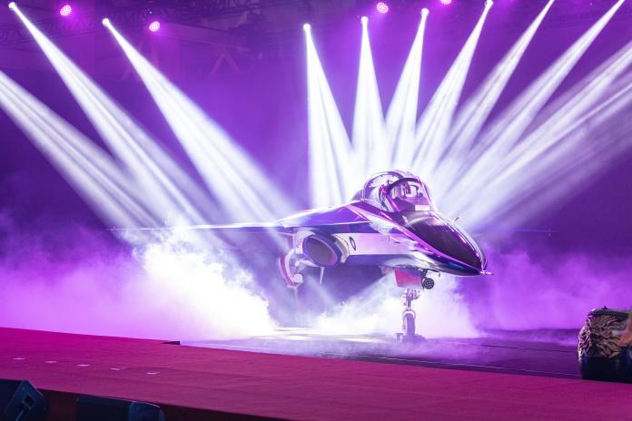 勇鷹高教機出廠 漢翔自豪自製率世界最高、外銷沒問題