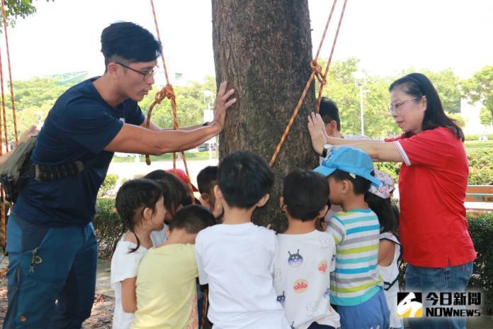 這堂課學童攀樹 高喊教師節快樂