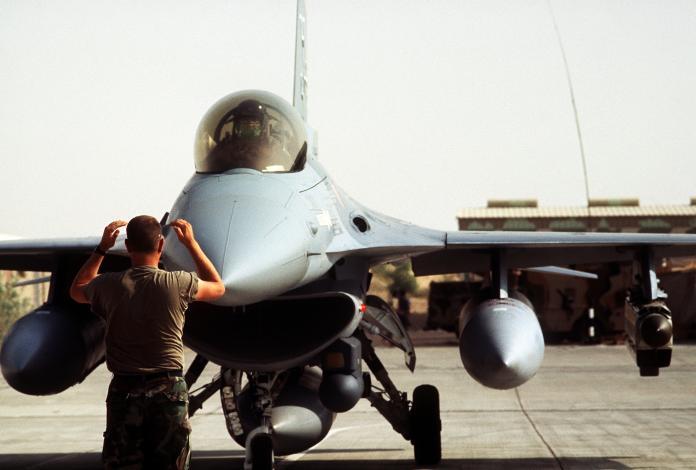66架F-16V電戰系統未選定 空軍:不影響交機期程