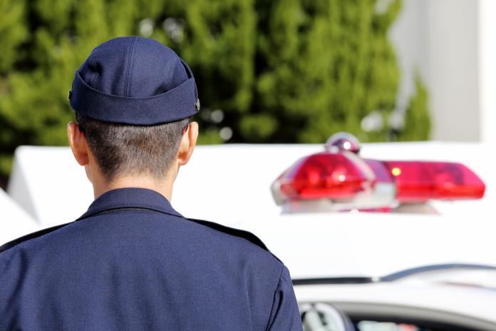 ▲有人看了《烏龍派出所》後,好奇提問日本公務員的待遇如何,竟有神人循線索找到答案。(示意圖/與文中情境無關,取自 photoAC )