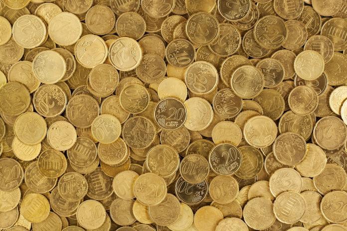 ▲顧客拿 50 個 1 元付帳,外送員氣炸引兩派論戰。(示意圖/翻攝自 pixabay )
