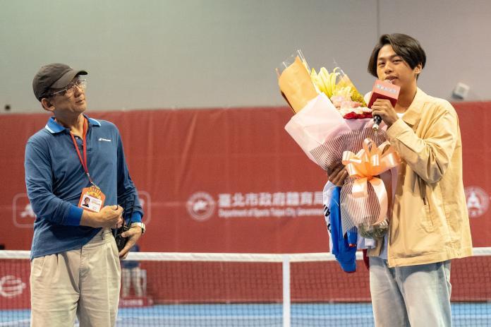▲王凌華老師與其兒子的合照(圖/海碩整合行銷提供)