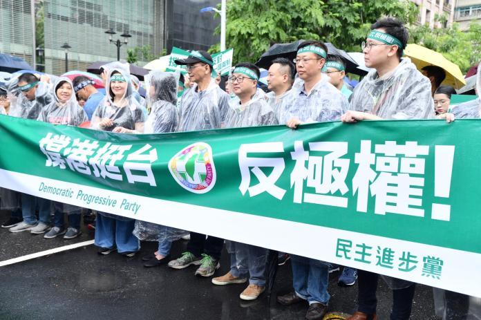 何韻詩遭統促黨潑漆 綠委怒:台灣人不會向威嚇低頭