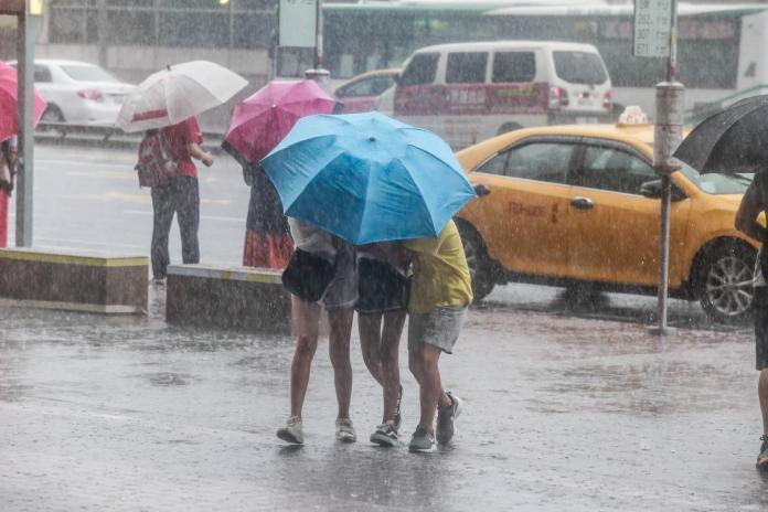 ▲米塔颱風逐漸接近台灣,預計今( 30 )日白天到明日清晨是颱風最接近的時刻。(圖/ NOWnews 資料照)