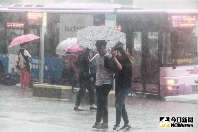 明天放不放颱風假? 氣象專家分析:要看這兩個關鍵因素