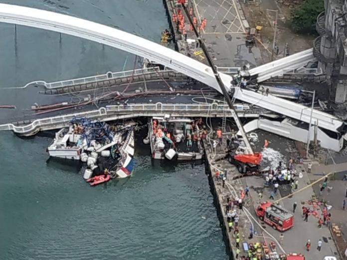 南方澳大橋倒塌