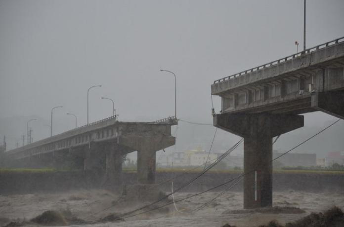 都是颱風惹的禍 6年前新竹縣中正大橋也斷裂