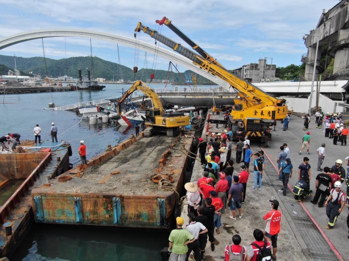 南方澳橋斷傳外籍漁工受困 外交部:確認後提供協助