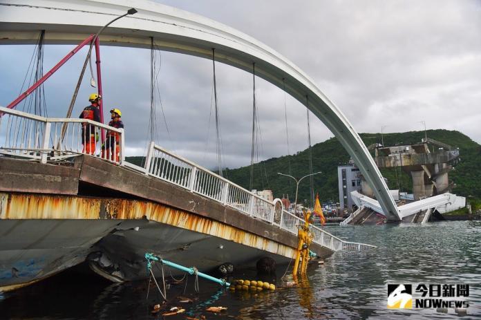 ▲南方澳大橋倒塌意外,由新光產險承保超額公共意外責任險,單一事故理賠上限1.2億元。(圖/記者陳明安攝)