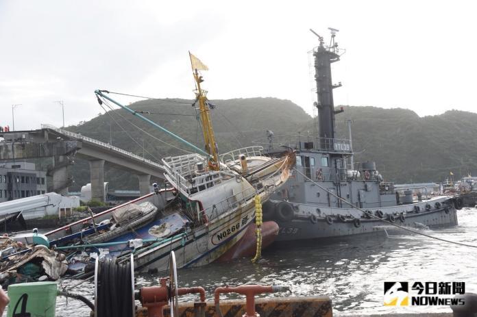▲台灣港務公司今( 2 )日表示,罹難的外籍漁工將補償 500 萬元,並請公路總局協助重建工程規畫發包及施工,目標 3 年內完工啟用。 (圖/記者陳明安攝, 2019.10.01)