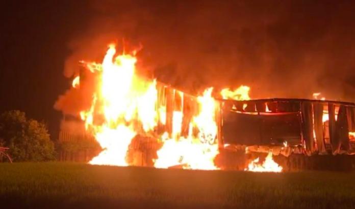 台中大雅惡火!兩消防員罹難 疑是農地工廠惹的禍?